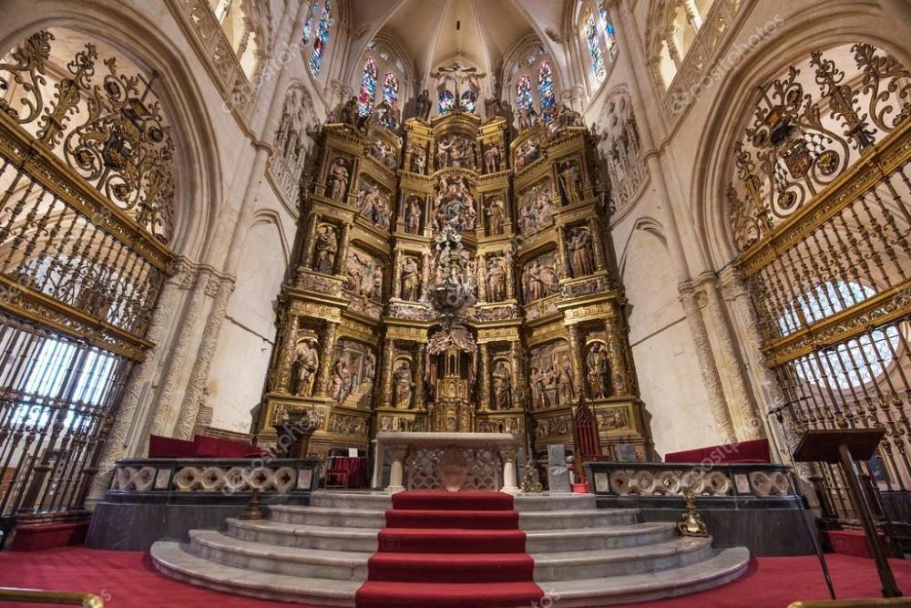 depositphotos_126131334-stock-photo-burgos-cathedral-interior