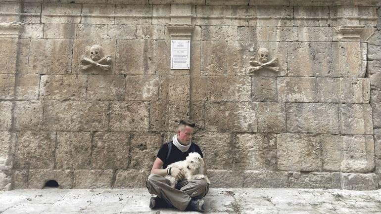 Jordy-Wiertsema-met-zijn-hondje-Lucy-Foto-Eigen-foto
